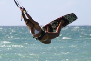 Clarissa_raley_kitebeach Maui Sports Unlimited kiteboarding school www.mauisportsunlimited.com
